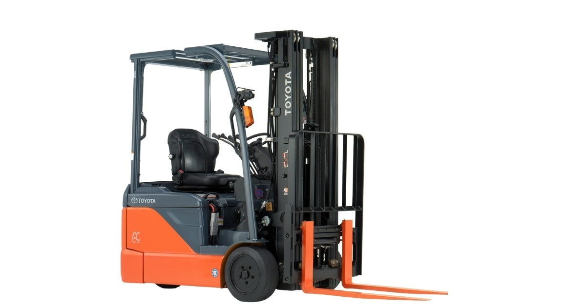 3-4 electric forklifts